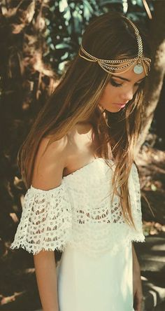 Stunning Boho White Lace Dress Girl Look. Perfect For This Summer Must Have in the Wardrobe.