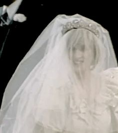 Diana was very nervous on the days leading to her wedding and even the day of! On the day of I would have walked, probably! She was a trooper :)