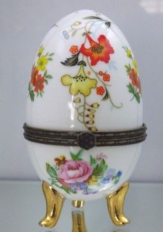 Vintage Porcelain Egg White With Floral Flowers Footed Trinket Box Gold Feet