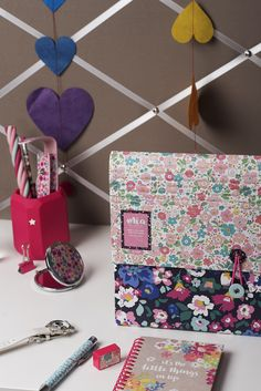 This smart rollbound expanding file is perfect for adding a cheerful new look to your office or bedroom with its covering of gorgeous floral prints! Ditsy Floral, Be Perfect, Pink And Green, Stationary, Floral Prints, Gift Wrapping, Bedroom, Gifts, Gift Wrapping Paper