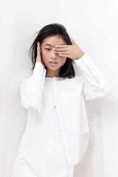 Pan and The Dream - Margaret Zhang Minimal Chic, Minimal Fashion, White Fashion, Shirts & Tops, Capsule Wardrobe, Style Chinois, Style Minimaliste, High End Fashion, White Shirts