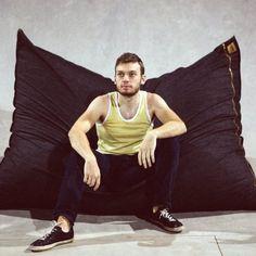 Pillowsaxx Large Denim Bean Bag Lounger - http://beanbagchairz.com/Blog/pillowsaxx-large-denim-bean-bag-lounger/