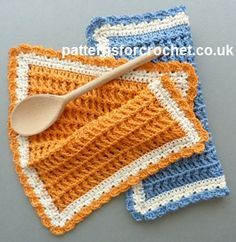 Free crochet pattern for cotton waffle dishcloth http://patternsforcrochet.co.uk/waffle-dishcloth-usa.html #patternsforcrochet
