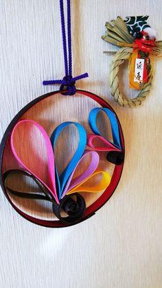 お正月飾り 「羽」 | ハンドメイドマーケット minne Diy And Crafts, Paper Crafts, New Years Decorations, Paper Quilling, Mother And Child, Creative, Christmas, Wicker, Projects To Try