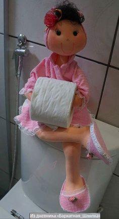 Patrón de muñeca porta-rollos de papel