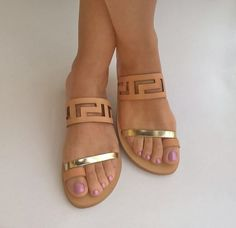All the fashionistas this year will be sporting a pair of trendsetting sandals at the beach and we know you don't want to be left out. - See more at: http://www.quinceanera.com/shoes/15-summer-sandals/?utm_source=pinterest&utm_medium=social&utm_campaign=shoes-15-summer-sandals#sthash.e0mFC8pl.dpuf