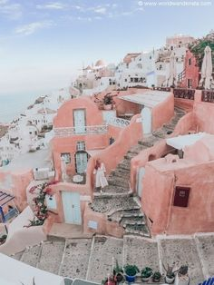 Read this before you travel to Santorini. This is what I wish I knew before traveling to Santorini, Greece. Oh The Places You'll Go, Places To Travel, Travel Destinations, Vacation Places, Places Around The World, Travel Around The World, Vacation Spots, Heraklion, Beautiful World