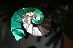 fensterbild spirale transparent schnecke anleitung papier pinterest spiralen. Black Bedroom Furniture Sets. Home Design Ideas