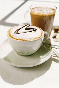 Coffee Latte Art, Coffee Aroma, Coffee Shop, Coffee Cups, Coffee Break, Coffee Time, Coffee Corner, Coffee Roasting, Hot Chocolate