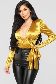 27 Satin Blouses That Look Fantastic - Global Outfit Experts Style Casual, Casual Outfits, Fashion Outfits, Womens Fashion, Fashion Trends, Steampunk Fashion, Gothic Fashion, Satin Underwear, Fashion Nova Bodysuit