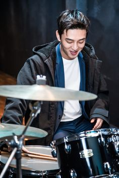 Yoo Ah In - Reebok Classic Aztec Korea 2016 CF Filming