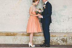 60er Jahre Vintage Hochzeit, Brautpaar, Brautkleid | Miss Gen Photography | Bridal Musings Wedding Blog