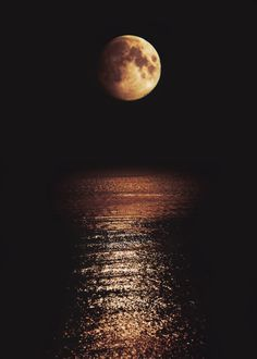 Moon on the sea.