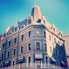the awesome architecture of Long Street – Cape Town Tourism Cape Town Tourism, Cape Town South Africa, Diaries, Places To See, Architecture, Street, City, Awesome, Travel