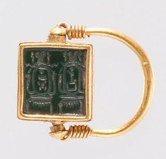 Finger Ring Inscribed with the Cartouches of Hatshepsut and Thutmose III Period:New Kingdom Dynasty:Dynasty 18 Reign:Joint reign of Hatshepsut and Thutmose III Date:ca. Geography:From Egypt, Upper Egypt, Thebes Medium:Green jasper, gold Egypt Jewelry, Gold Jewelry, High Jewelry, Crystal Jewelry, Jewelry Art, Ancient Egyptian Jewelry, Art Antique, Ancient Artifacts, Ancient History
