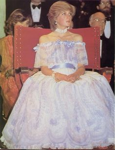 This has ALWAYS been my favourite Diana dress and NOT just 'cause it's purple!!  Diana. I always loved this dress.