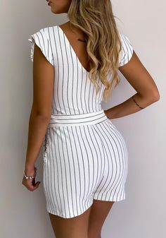 Pretty Outfits, Cute Outfits, Fashion Wear, Fashion Outfits, Mother Of Groom Dresses, Bodysuit Fashion, Curvy Girl Fashion, Girls Rompers, Summer Outfits