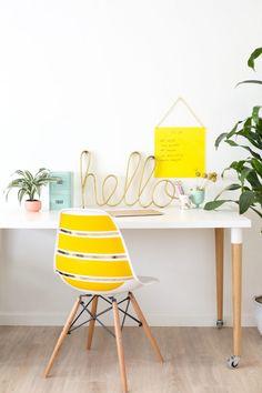 DIY Plexiglass Brainstorm Board for Back to School | lovelyindeed.com