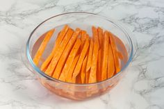 If you never tried to bake your fries in the oven then you should definitely give these perfect crispy sweet potato fries a chance. Vegetable Recipes, Vegetarian Recipes, Cooking Recipes, Healthy Recipes, Ham And Potato Recipes, Coconut Flour Cakes, Crispy Sweet Potato, Veggie Tray, Vegan Appetizers