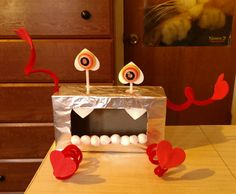 Valentine monster box