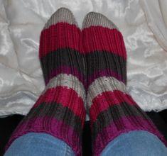 Hvordan strikke sokker / ull labber – Boerboelheidi Diy And Crafts, Socks, Knitting, Hobbies, Fashion, Threading, Handarbeit, Moda, Tricot