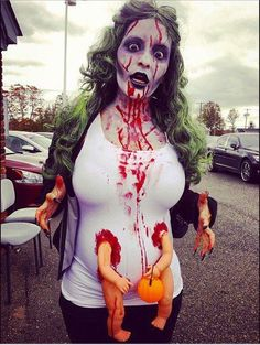 Lots of inspiration, diy & makeup tutorials and all accessories you need to create your own DIY Pregnancy Costumes for Halloween. Pregnancy Costumes, Pregnant Halloween Costumes, Diy Halloween Costumes, Halloween Cosplay, Costume Ideas, Maternity Costumes, Maternity Halloween, Zombie Costumes, Costume Contest
