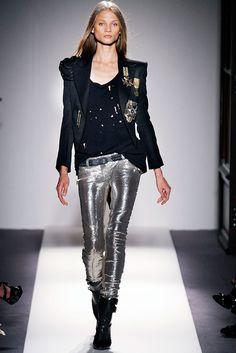 Balmain Spring 2010 Ready-to-Wear Fashion Show - Anna Selezneva (SILENT)