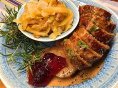 Köttfärslimpa med stekt lök och pepparsås – Kryddburken