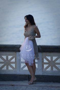 Abiti da sposa sartoriali e non solo: l'abito da cerimonia per la wedding planner, in perfetto abbinamento con lo stile del matrimonio