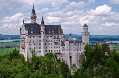 About.com - Learn to speak German with these basic and advanced grammar and vocabulary lessons, quizzes, study tips, and articles about German culture.