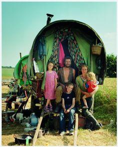 Gypsy Life, Gypsy Soul, Noter Dame, Into The Wild, Modern Gypsy, Gypsy Living, Estilo Hippie, Gypsy Wagon, Horse Drawn
