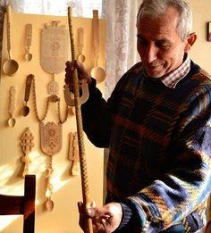 Meșterul popular Dan Gherasimescu face opere de artă din orice bucată de copac Orice, Wood Carving, Dan, Wood Carvings, Woodcarving