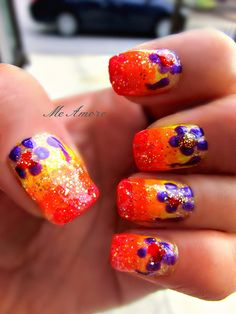 Sparkly flower nails!!