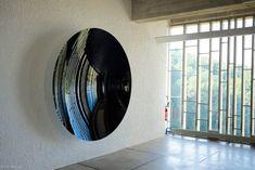 Anish-Kapoor s'invite chez Le Corbusier au Couvent-de-La-Tourette