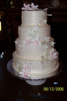 Orchid and Ivy Wedding cake