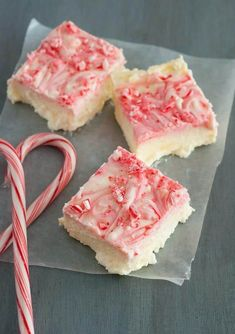 If you're looking for something with a bit of the holiday vibe, then these peppermint cheesecake bars are a must try! I love how they taste just like a candy cane and that these are one of the easiest to make (no oven or eggs required!)