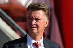 SOUTHAMPTON, ENGLAND - SEPTEMBER 20:  Louis van Gaal manager of Manchester United looks on during the Barclays Premier League match between Southampton and Manchester United at St Mary's Stadium on September 20, 2015 in Southampton, United Kingdom.  (Photo by Tony Marshall/Getty Images)