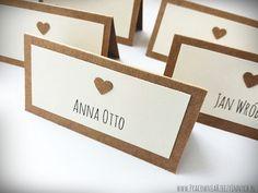 Eko winietka z mini serduszkiem Rustic Wedding, Diy And Crafts, Wedding Decorations, Wedding Inspiration, Place Card Holders, Invitations, Engagement, Impreza, Mini