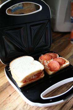 Easy Homemade Pizza Hot Pockets with sanwich bread Sandwich Maker Recipes, Waffle Maker Recipes, Homemade Pizza Pockets, Easy Homemade Pizza, Hot Pockets, Snack Recipes, Cooking Recipes, Snacks, Yummy Recipes