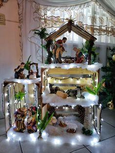 1 million+ Stunning Free Images to Use Anywhere Christmas Crib Ideas, Christmas Nativity Set, Christmas Village Display, Christmas Villages, Christmas Projects, Simple Christmas, Christmas Home, Christmas Holidays, 242