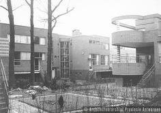 Antwerpen, Volhardingstraat, Serigiersstraat en Camille Huysmanslaan, complex van zes woningen (1932).  photo credit: Architectuurarchief Provincie Antwerpen, found on the website: http://www.debalansvanbraem.be
