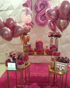 💮🌸 Vimos - E esse mini table em tons de rosa e rose gol. Imos We saw - And this mini table in shades of pink and rose gold ? 😍💕 Beautiful decoration by… Paris Birthday Parties, Unicorn Birthday Parties, 21st Birthday, Birthday Party Decorations, Girl Birthday, Boyfriend Gift Basket, Its My Bday, Birthday Pictures, Balloon Decorations