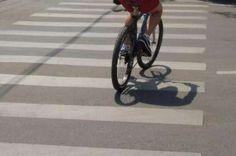 Amenzi mari dacă traversaţi strada pe bicicletă sau trotinetă electrică la trecerea pentru pietoni Stationary, Gym Equipment, Bike, Bicycle, Bicycles, Workout Equipment