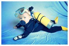 Best baby costume Little scuba diver. Best Baby Costumes, Purim Costumes, Baby Halloween Costumes For Boys, Holiday Costumes, First Halloween, Boy Costumes, Fancy Dress Under The Sea, Scuba Diver Costume, Scuba Diving Tattoo
