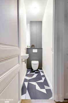 Aménagement WC : les erreur déco et agencement des toilettes - Côté Maison Small Toilet Design, Small Toilet Room, Bathroom Design Small, Bathroom Interior Design, Guest Toilet, Bad Inspiration, Bathroom Inspiration, Bathroom Ideas, Luxury Homes Interior
