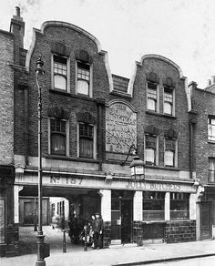 Jolly Butchers pub, 157 Brick Lane, Bethnal Green was called Turk and Slave Turkish Slave and Turkish Head Turkish Slave Turk & Slave then Jolly Butchers. The address is at 141 Brick Lane at & before 1881 ukpubhistory Victorian London, Vintage London, Old London, East End London, London Hotels, London Pubs, London Street, London History, British History