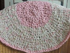 "Hand Made Crochet Rag Rug ~NEW 28"" Round PINK Shabby Country~ Adorable"