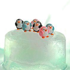 penguins on an iceberg, polymer clay Polymer Clay Kunst, Polymer Clay Figures, Polymer Clay Animals, Fimo Clay, Polymer Clay Projects, Polymer Clay Charms, Polymer Clay Creations, Clay Crafts, Polymer Clay Disney