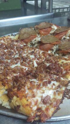 Bacon pizza! Bacon Pizza, Bologna, Kentucky, French Toast, Restaurant, Breakfast, Food, Morning Coffee, Diner Restaurant