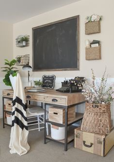 Farmhouse Style Home Office. - Farmhouse Style Home Office. Small Office Decor, Home Office Space, Home Office Design, Home Office Decor, Home Decor, Office Ideas, Small Office Spaces, Men Office, Office Decorations